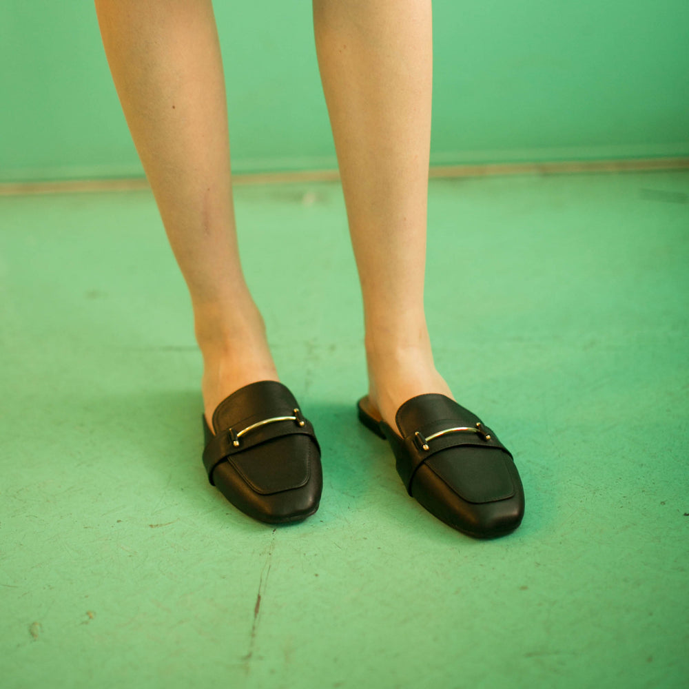 Load image into Gallery viewer, Pat Black Flat Shoes