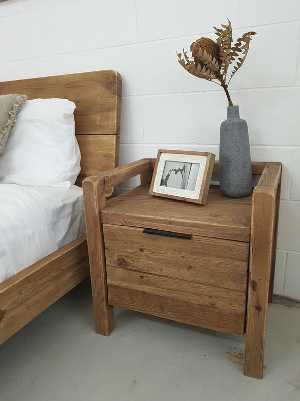 Clunes Timber Bed