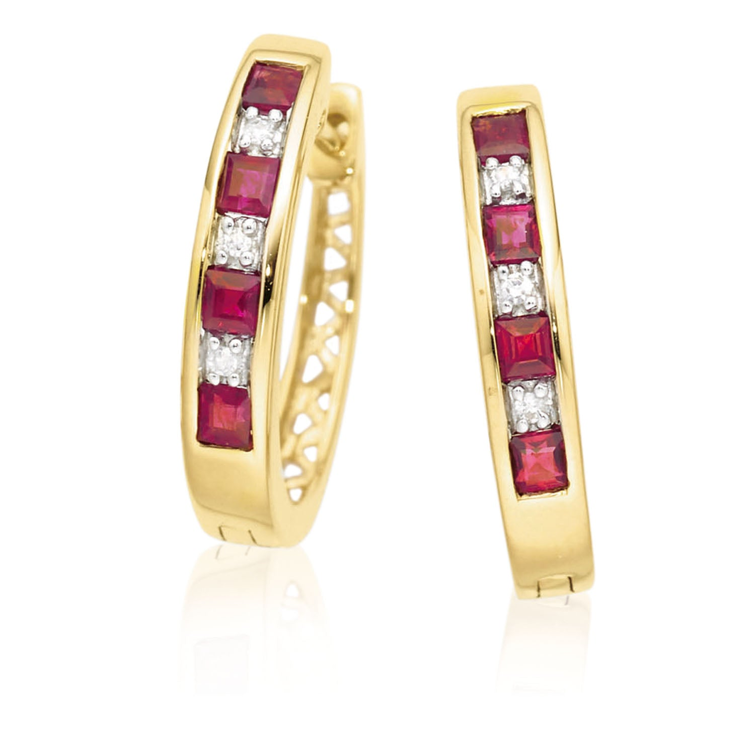 9ct Yellow Gold Round Brilliant Cut Ruby Diamond Set