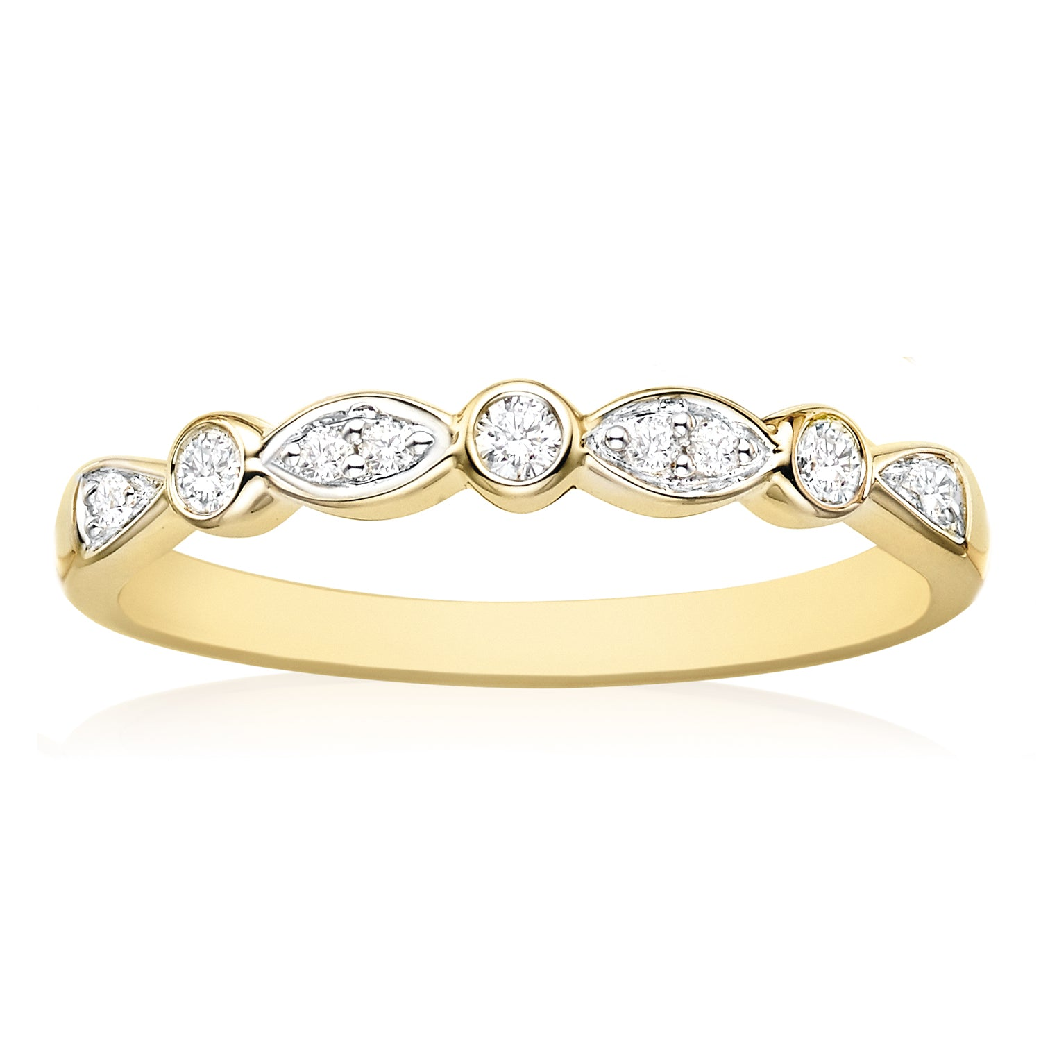 9ct Yellow Gold Round Brilliant Cut with 0.15 CARAT tw of Diamonds