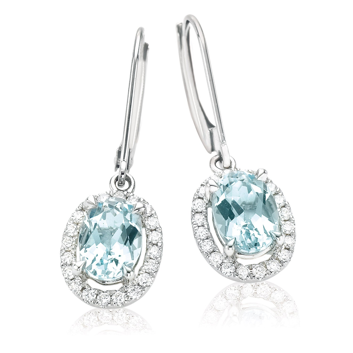18ct White Gold Oval Cut Aquamarine with 0.20 CARAT tw of Diamonds