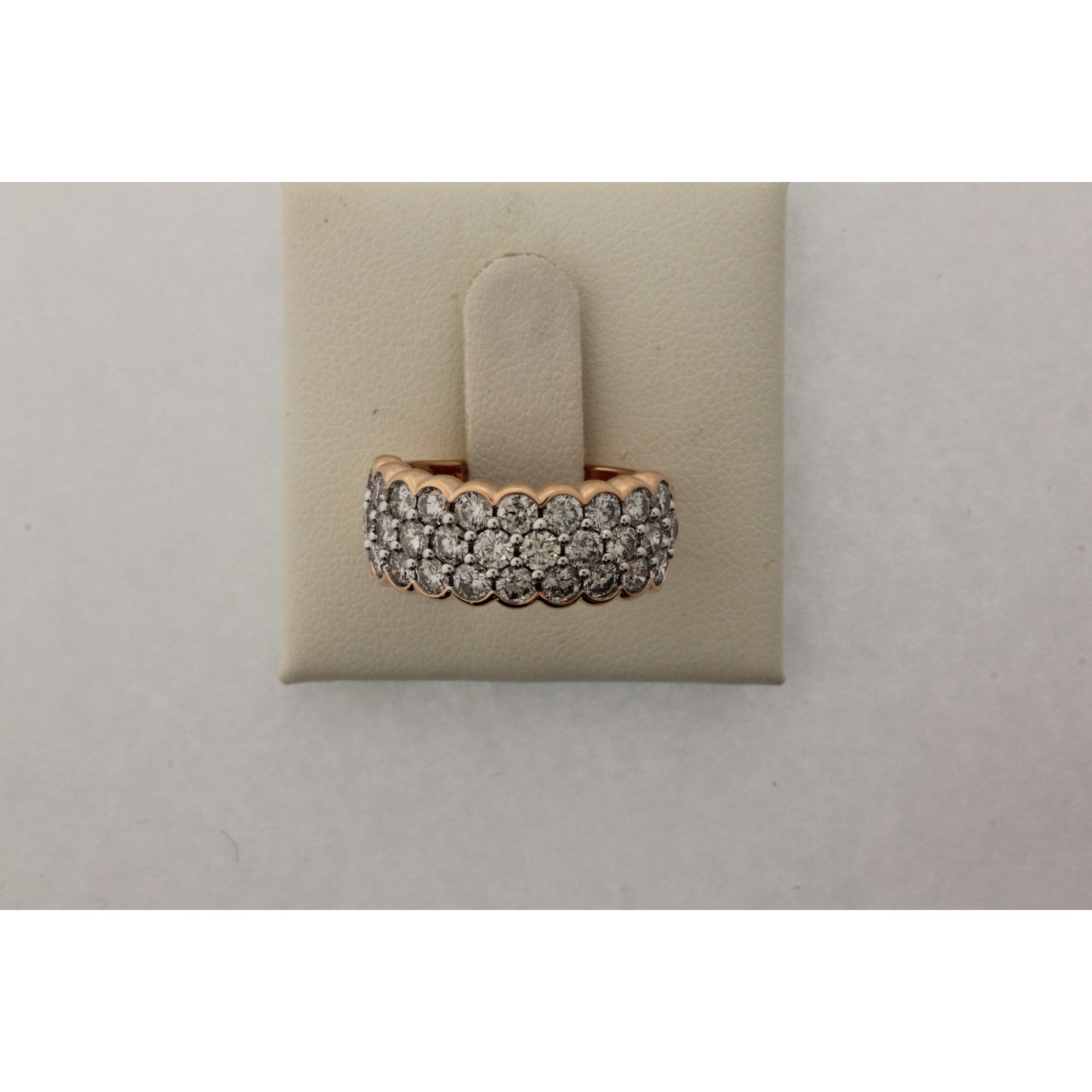 18ct Rose Gold Round Brilliant Cut with 2.46 CARAT tw of Diamonds