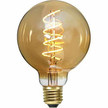 "Laden Sie das Bild in den Galerie-Viewer, LED ""Spiralfilament"" gold, Globe, dimmbar - 3 Watt 130 Lumen - LichtFactory"