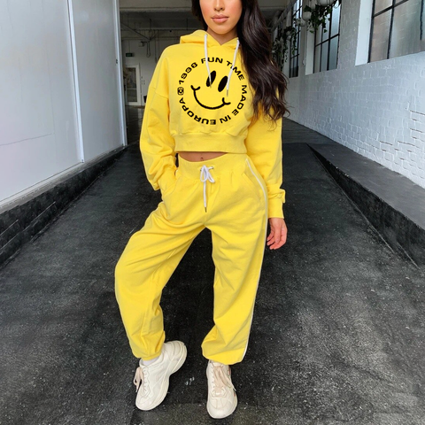 Casual smiley face sports suit