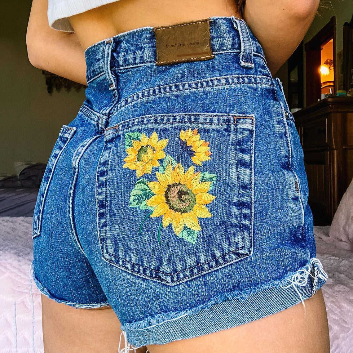 Vintage casual sunflower embroidered denim shorts