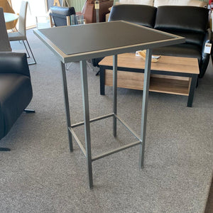 Table counter H.  23 7/8 '' x 23 7/8 ''