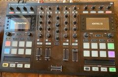Native Instruments TRAKTOR KONTROL S5 Pro 4-Channel DJ Controller