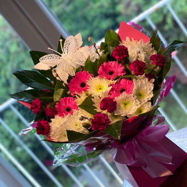 Daisy-chain Pink Bouquet