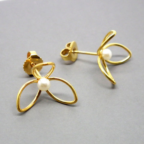 Japanese Mini Wire Flower earrings