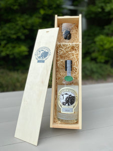 Wooden gift box Bertha's Revenge Gin (70cl) & glass