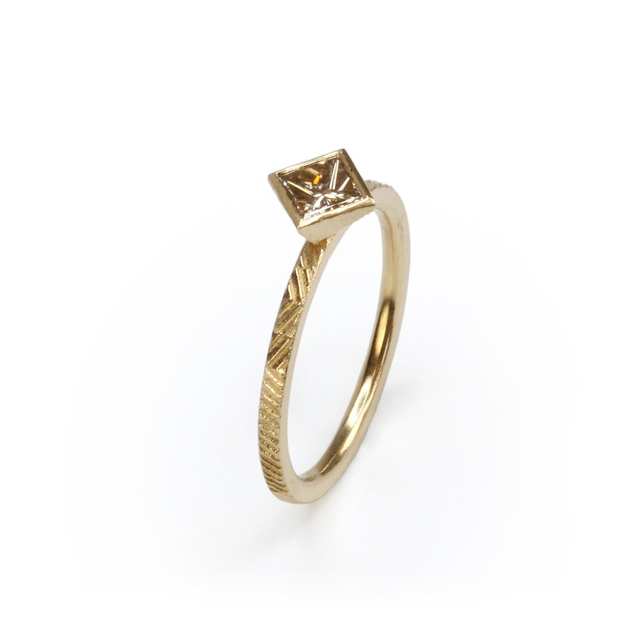 1.5mm Contour ring with 4mm princess cut diamond
