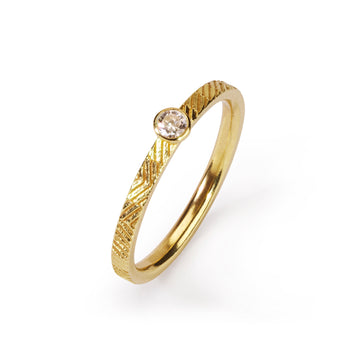 2mm Contour ring with 3mm diamond