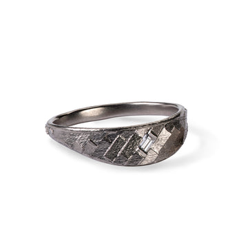 Small Di-Parquet horizon ring