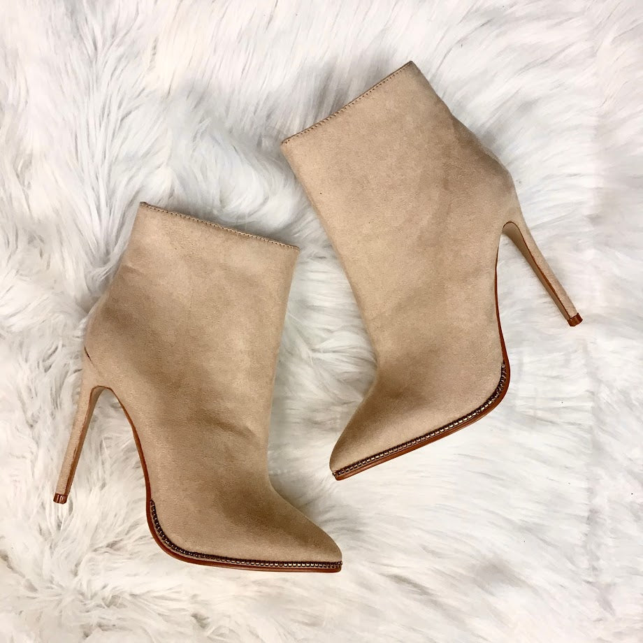 Fashion Nova Boots Women's 7