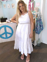 Lade das Bild in den Galerie-Viewer, MAXI DRESS PEARLS