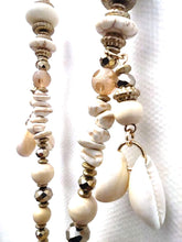 Lade das Bild in den Galerie-Viewer, KETTE WHITE TASSLES & SHELLS