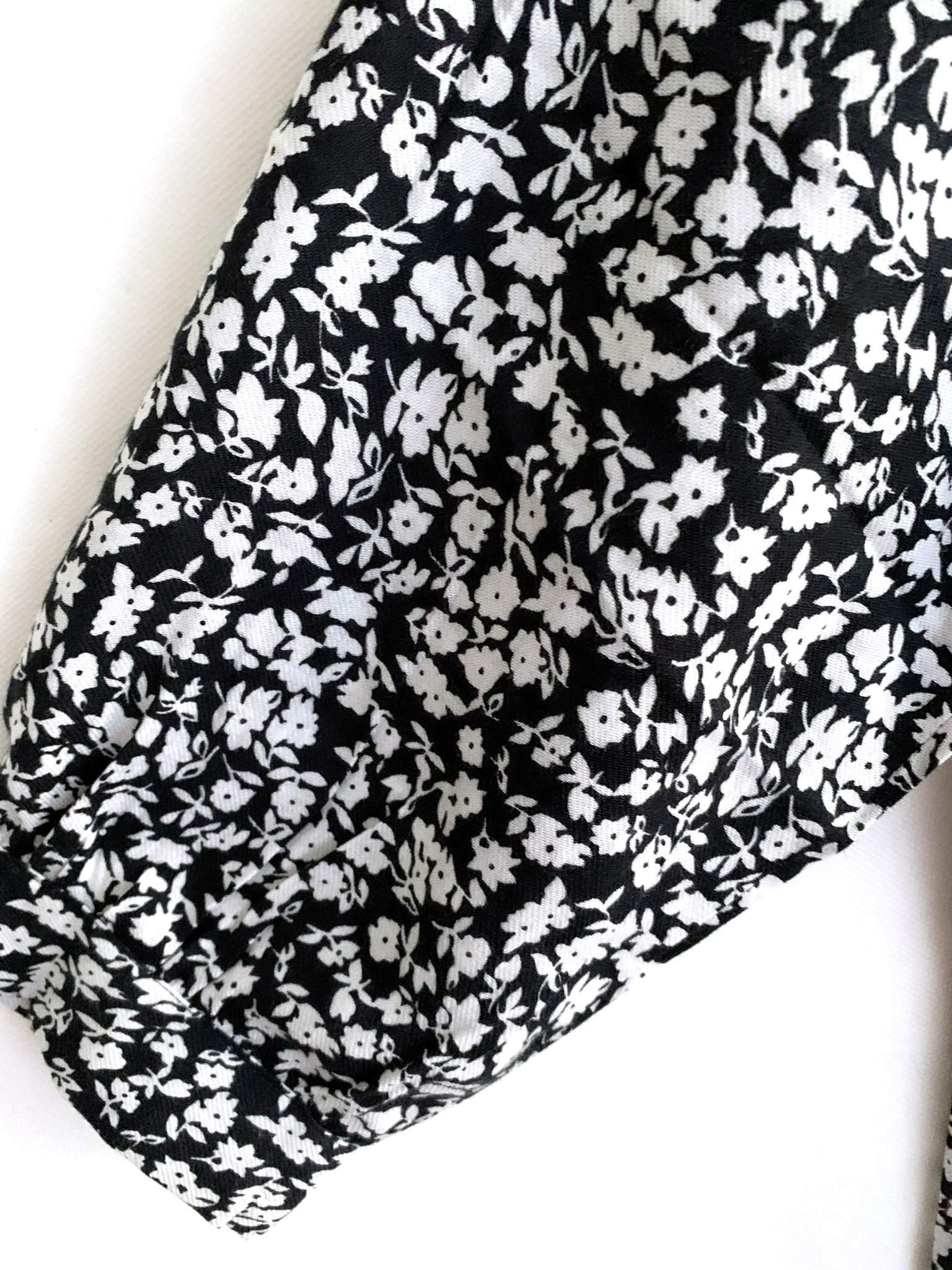 MAXI KLEID BLACK WHITE FLOWERS FELICITAS