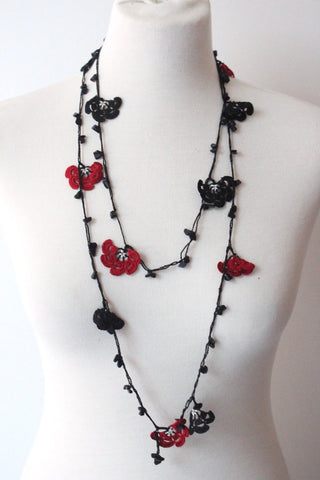Garland Necklace Black and Red