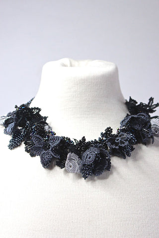 Necklace Twisted Black
