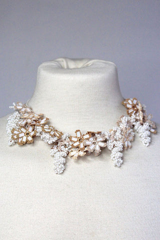 Necklace Twisted White