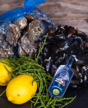 Load image into Gallery viewer, New Wave Mussel and Oyster Box