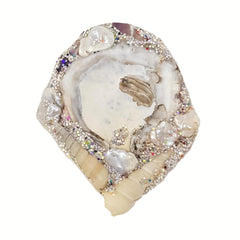 WHITE SHELL BROOCH - EARTH