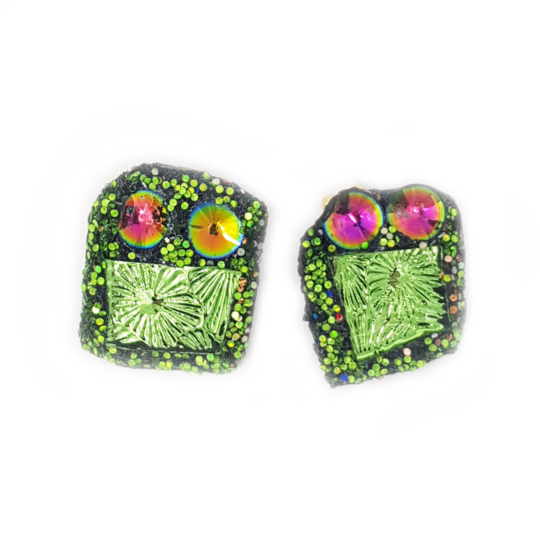 GREEN SPARKLING EARRINGS