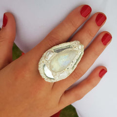 WHITE TEARDROP PEARL RING