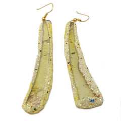 LONG PALE YELLOW PENDANT EARRINGS