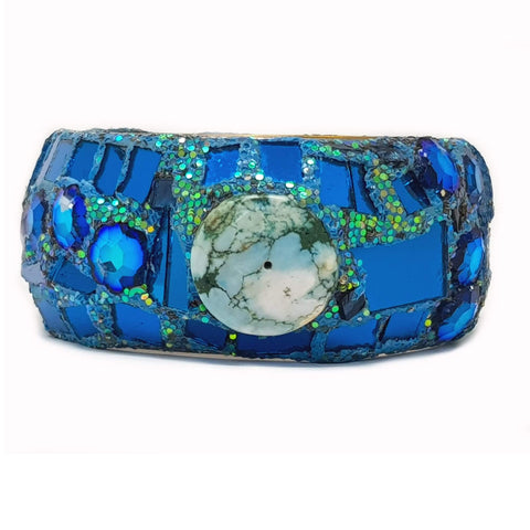 TURQUOISE CRYSTAL AND STONE BANGLE
