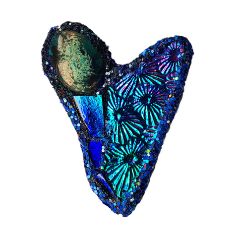 BLUE HEART BROOCH - MILKY WAY
