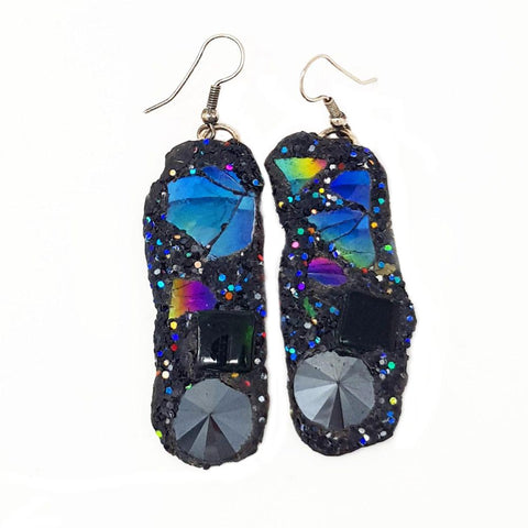 BLACK CRYSTAL PENDANT EARRINGS