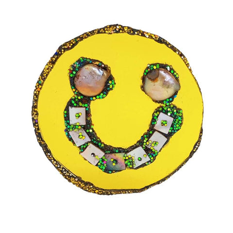 GOLD SMILEY FACE BROOCH - GOLDEN WHISPERER