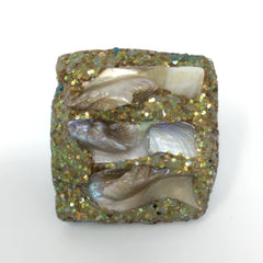 SQUARE BAROQUE MOTHER OF PEARL RING