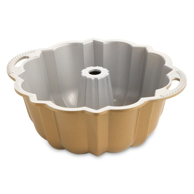 Load image into Gallery viewer, Nordicware Anniversary Bundt Pan