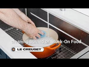 Load and play video in Gallery viewer, Le Creuset Signature Round Dutch Oven