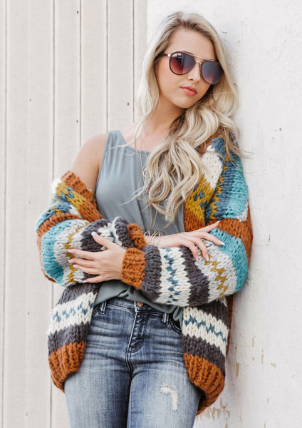 SILOE BOUTIQUE FEATURES HOW TO STYLE AN AUTUMN KNIT CARDIGAN IS FOR A FALL OUTFIT
