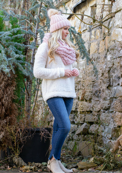 how to style a white fleece pullover
