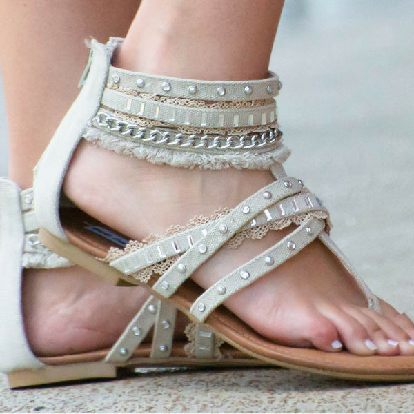 90622c49e0545 How to style casual summer outfit in white linen shorts & willow bling  sandals   shop