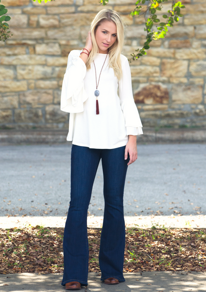 White top/dark blue jeans women's fashion blog