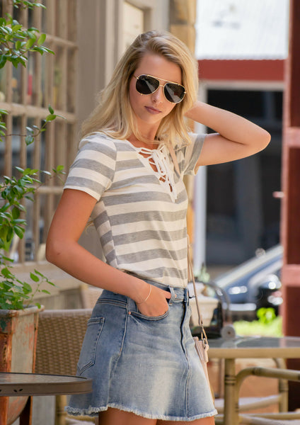 how to style a denim mini skirt as an adult for a summer outfit | siloe online women's boutique