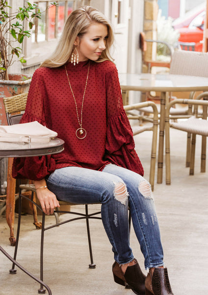 HOW TO STYLE A BALLOON SLEEVE RED TOP FOR A CASUAL OUTFIT