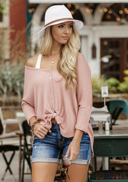 how to style a pink button-up knot top for a casual weekend outfit
