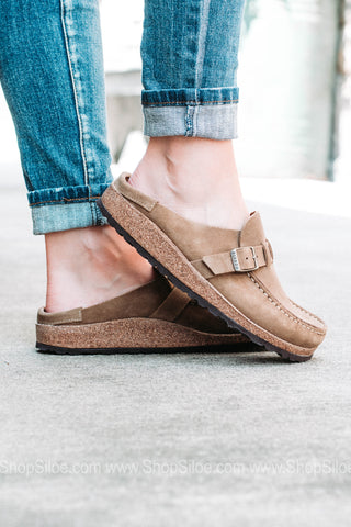 Buckley Suede Leather | Tea | Narrow