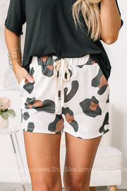 One Fine Feline Elastic Pocket Shorts