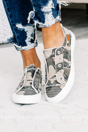Play Canvas Sneakers | Camo