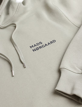 MADS NOORGARD MEN New Standard Hoodie Logo - Wrought Iron