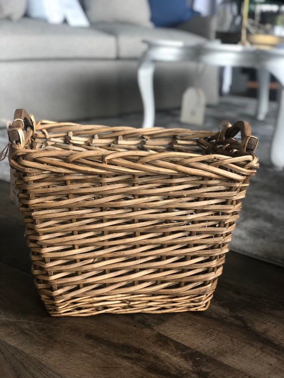 Square Willow Nesting Basket