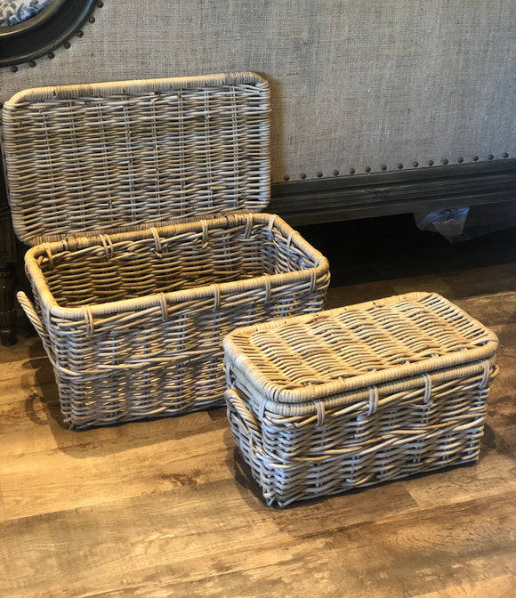 Light wicker Trunk Baskets