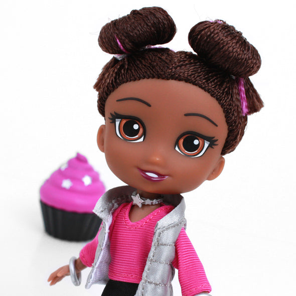 PRE-ORDER!! - Mia - For Keeps™ Girl with Cupcake Keepsake™ Series 1